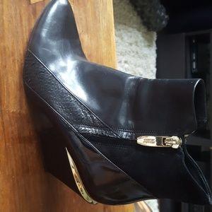 Sigerson Morrison Black Boots Size 6.5
